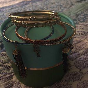 Jewelry - Bangle bracelet set